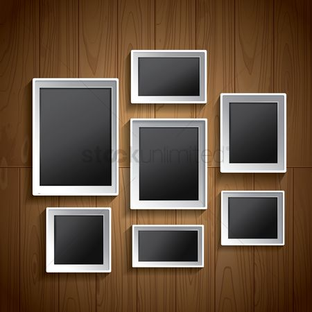 内饰 : Photo frames on wall