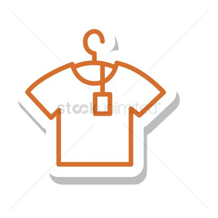 标签 : T-shirt hung on a hanger with price tag