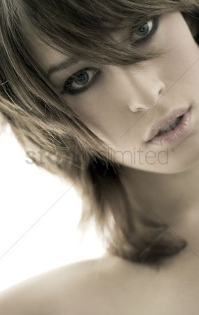 美女时尚 : Close-up of a woman s face with make-up