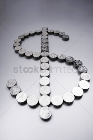 业务金融 : Coins making a dollar sign