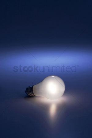 技术 : Illuminated light bulb