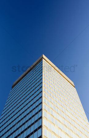 房屋地标 : Low angle view of a high building
