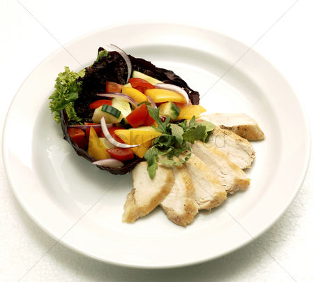 食物 : Roasted chicken and vegetables